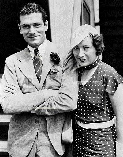 Watchf Associated Press Domestic News Entertainment New York United States APHS55706 LAURENCE OLIVIER 1933