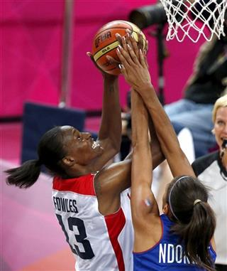 Sylvia Fowles, Emmeline Ndongue