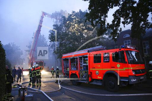Major fire in senior citizens' residential complex in Hamburg-Eidelstedt
