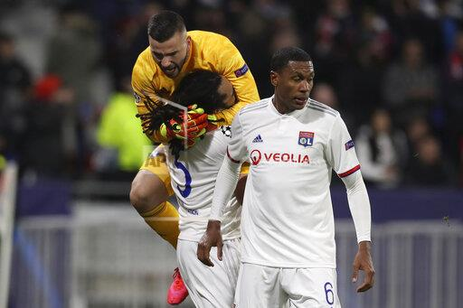 Lyon v Juventus - UEFA Champions League - Round of 16 - First Le