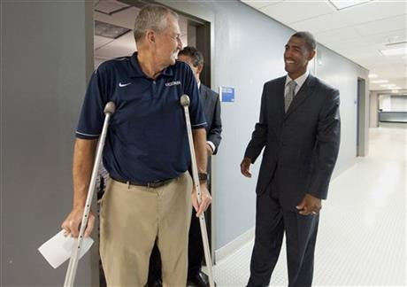 Jim Calhoun, Kevin Ollie