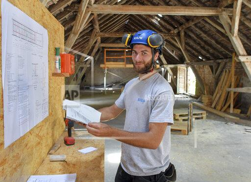 On the summer construction site with wandering journeymen