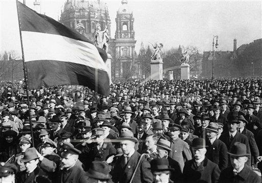 Watchf AP I   DEU APHS340859 Germany Demonstrations   Tax Payers 1922