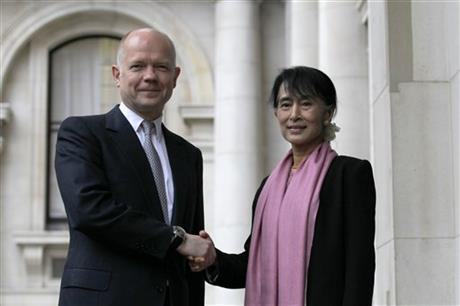 Aung San Suu Kyi, William Hague