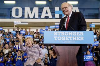Hillary Clinton, Warren Buffett