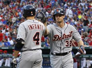 Don Kelly, Omar Infante