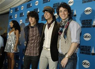 Kevin Jonas, Nicholas Jonas, Joseph Jonas, Ashanti
