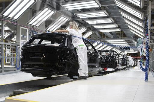 Skoda Auto, production plant, new paint shop