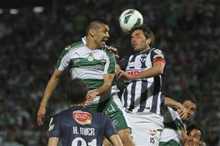 Oribe Peralta, Jose Maria Basanta