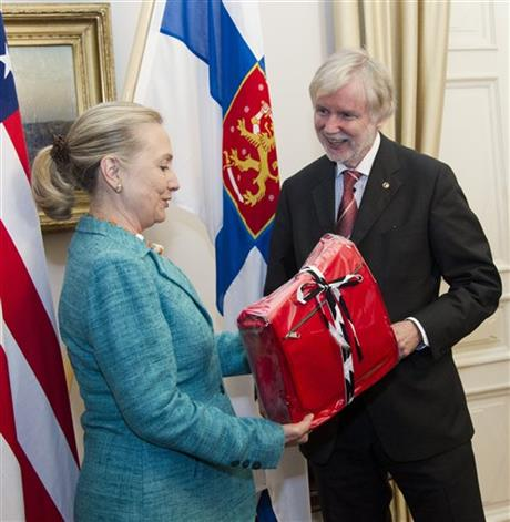 Hillary Rodham Clinton,  Erkki Tuomioja