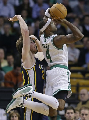 Jason Terry, Gordon Hayward