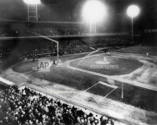 Associated Press Sports Ohio United States Professional baseball (National League) FIRST NIGHT GAME 1935