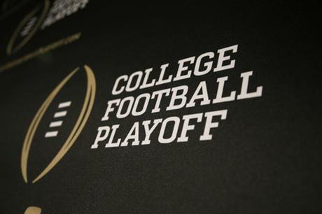 College Football Playoff-Halftime Football
