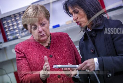 Merkel at the laying of the foundation stone for the Centre for Life Science