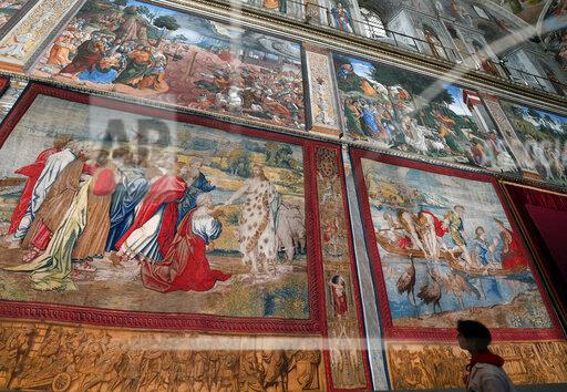 Raphael Tapestries Return To Sistine Chapel - Vatican