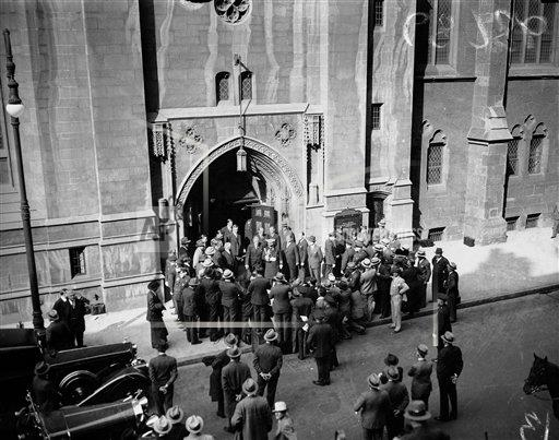 Watchf AP A  NY USA APHS195707 William Woodin Funeral