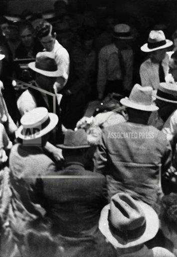 Watchf Associated Press Domestic News  Louisiana United States APHS231939 Bonnie And Clyde Death 1934