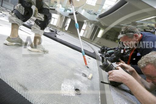 Laying carpets in the plenary hall of the Bundestag