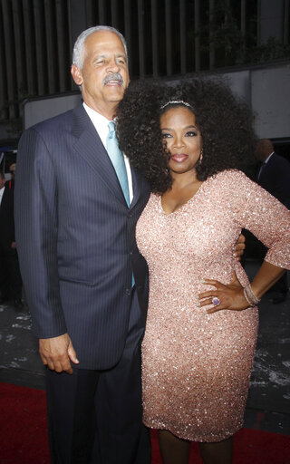 Oprah Winfrey Announces Boyfriend Stedman Graham Is Practicing Social Distancing