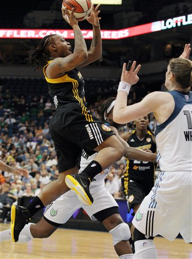 Riquna Williams, Lindsay Whalen