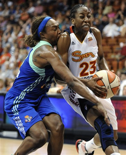 Cappie Pondexter, Allison Hightower