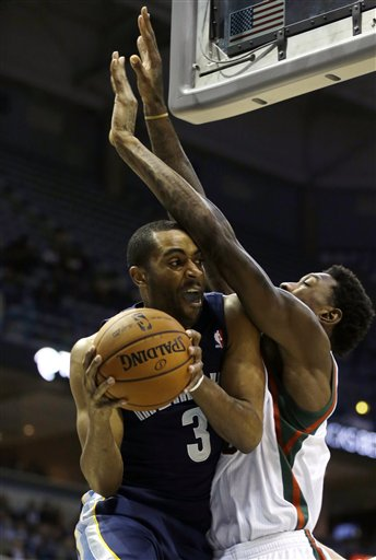 Wayne Ellington, Larry Sanders