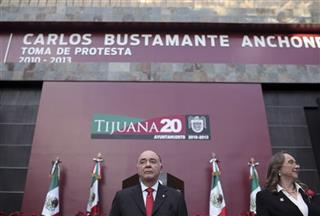 Carlos Bustamante, Yolanda Enriquez