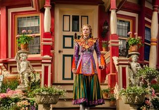 Film Review Alice Through The Looking Glass