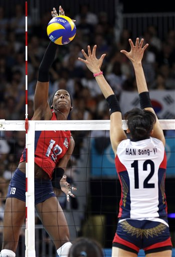 Destinee Hooker, Han Song-yi