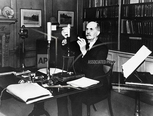 Associated Press International News England PHYSICIST WILLIAM BRAGG