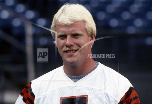 Watchf AP S   USA APHS445571 Football Player Boomer Esiason