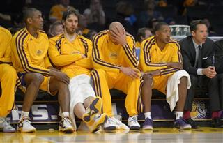 Metta World Peace, Pau Gasol, Robert Sacre, Chris Duhon, Steve Nash