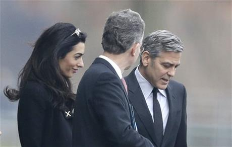 George Clooney to meet with Angela Merkel in Berlin 460x