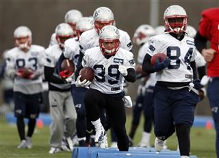 Danny Woodhead, Deion Branch