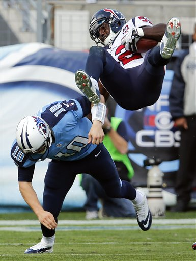 Jake Locker, Tim Dobbins