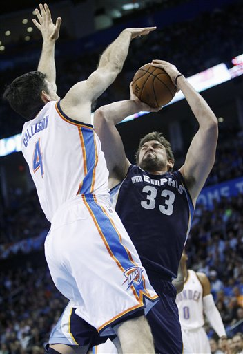 Marc Gasol, Nick Collison