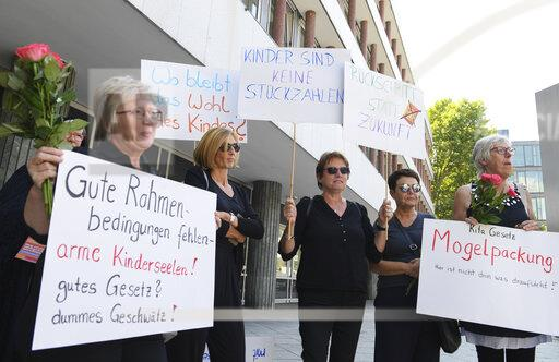 Demonstration against kindergarten law