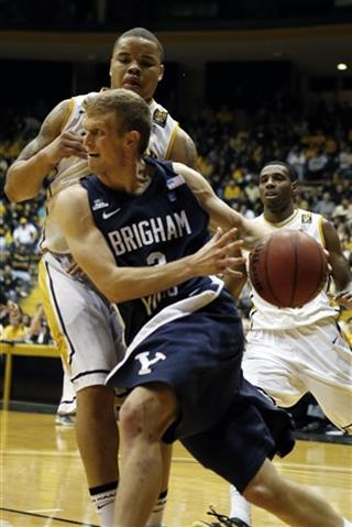 Tyler Haws, Jonathan Mills