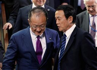 Taro Aso, Jim Yong Kim
