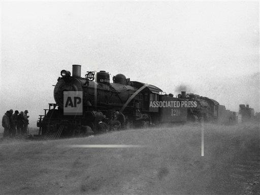 Watchf AP A  KS USA APHS267645 Dust Bowl 1935