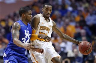 Jordan McRae, Julius Mays