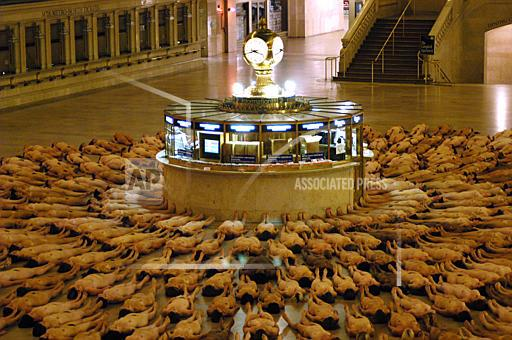 Associated Press Domestic News New York United States SPENCER TUNICK GRAND CENTRAL