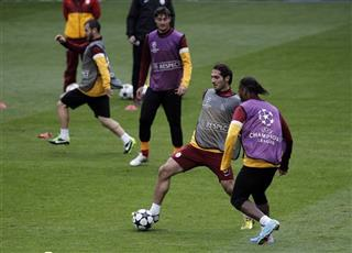 Didier Drogba, Hamit Altintop 