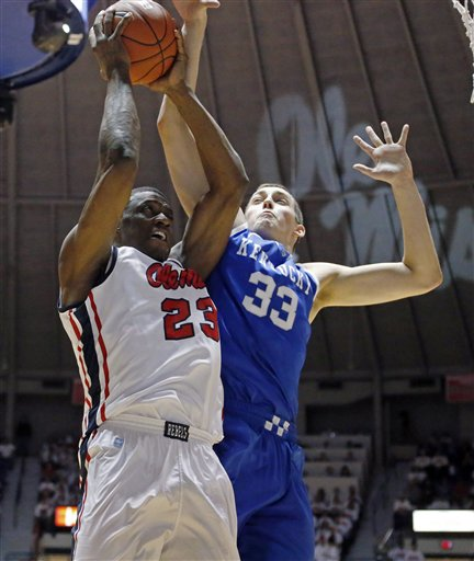 Reginald Buckner, Kyle Wiltjer