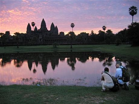Foreign Tourists Posing Nude at Temples Infuriate Cambodians