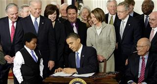 Barack Obama, Marcelas Owens, John Dingell, Tom Harkin, Richard Durbin, Joe Biden, Vicki Kennedy, Christopher Dodd, Sander Levin, Ryan Smith, Kathleen Sebelius, Nancy Pelosi, Steny Hoyer, Harry Reid, Patrick Kennedy, James Clyburn, Henry Waxman
