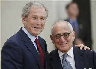 George W. Bush, Robert A.M. Stern