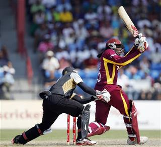 Chris Gayle, Tom Latham