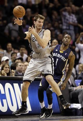 Tiago Splitter, Tony Wroten