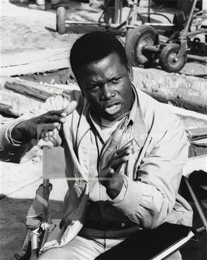 Watchf AP A   USA APHS352093 Sidney Poitier Performing